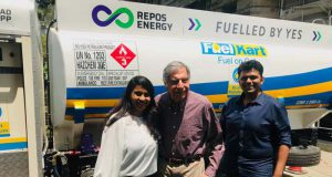 Aditi & Chetan with Ratan Tata